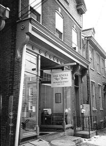 414 Delaware Street